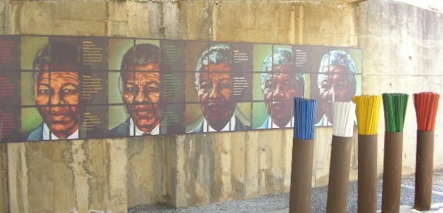 Mural of Mandela at the Apartheid Museum in Johannesburg (Photo by M. Frindéthié)