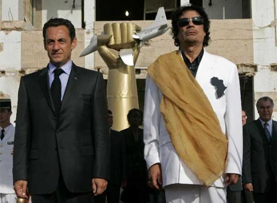 sarkozy_gaddafi-550x404